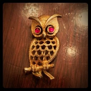 Vintage Gold Owl Brooch Pin
